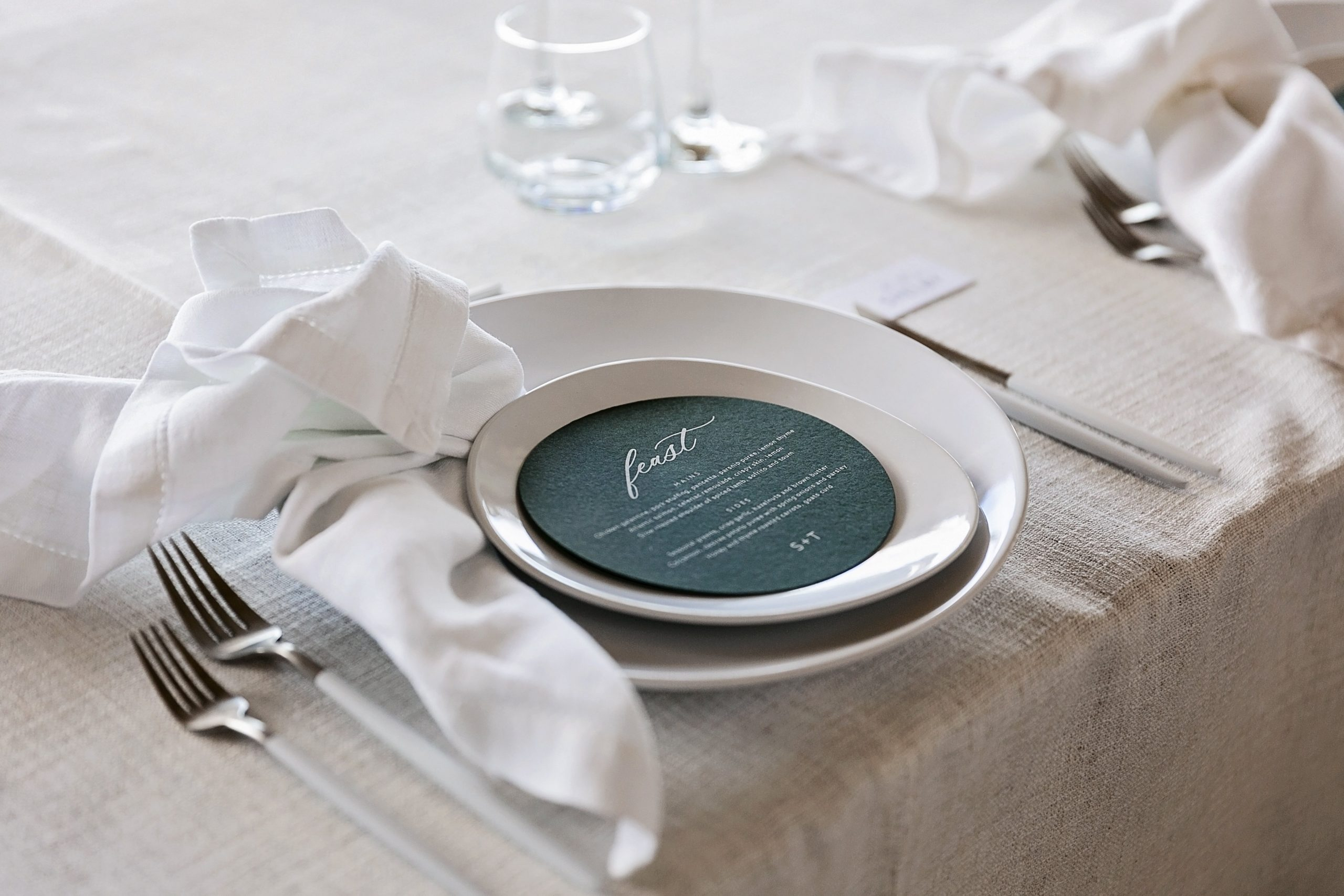 round wedding menus